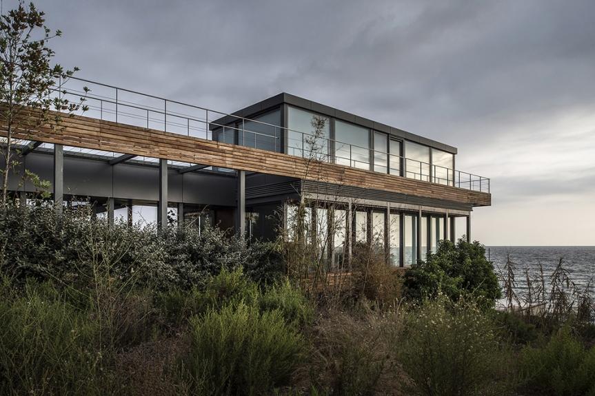 Amchit-residence-blankpage-architects-13