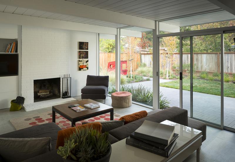 contemporary_home_290415_13