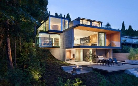Gorgeous-evening-view-of-Russet-Residence-