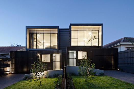 modern-black-townhouse-exterior-120517-202-01