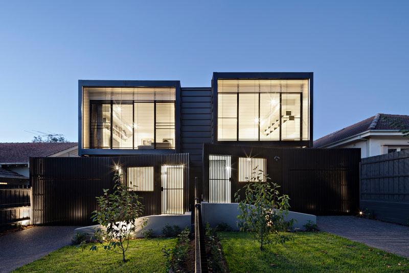 modern-black-townhouse-exterior-120517-202-01